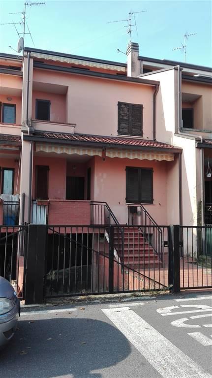 Villa a Schiera in vendita a Castiraga Vidardo, 8 locali, prezzo € 158.000 | Cambio Casa.it