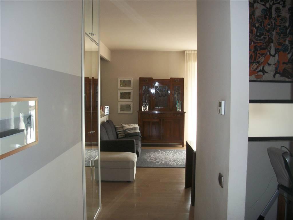 Appartamento in vendita a Sant'Angelo Lodigiano, 6 locali, prezzo € 143.000 | CambioCasa.it
