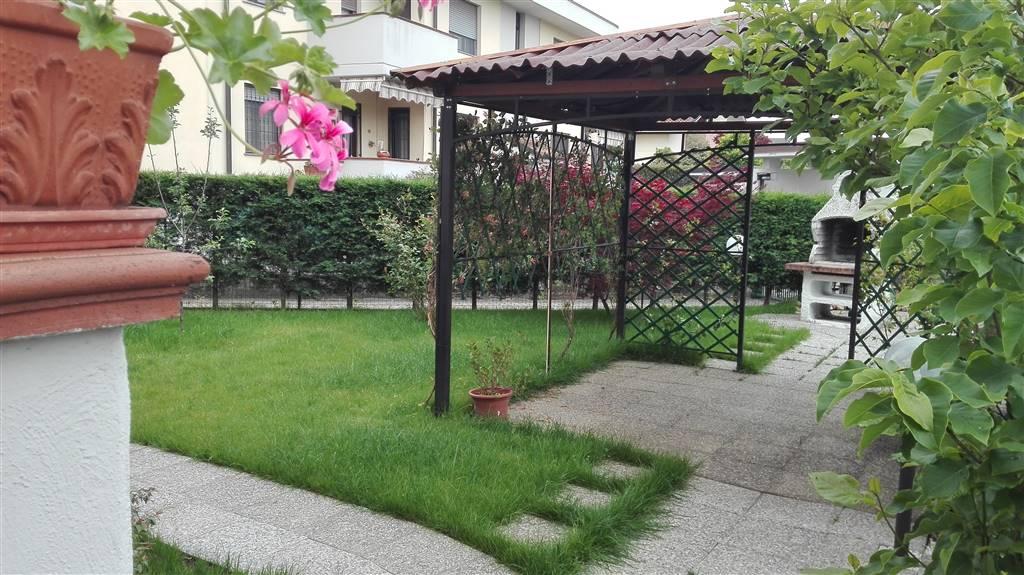 Appartamento in vendita a Sant'Angelo Lodigiano, 6 locali, prezzo € 139.000 | CambioCasa.it