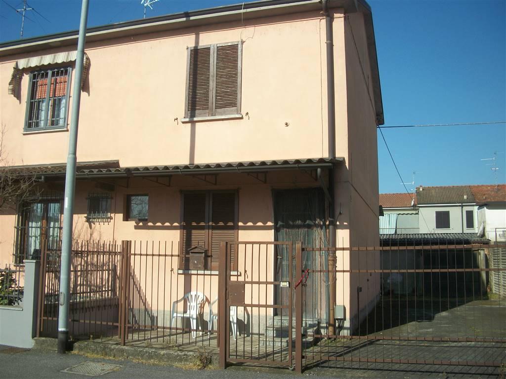 Appartamento in vendita a Sant'Angelo Lodigiano, 4 locali, prezzo € 89.000 | CambioCasa.it