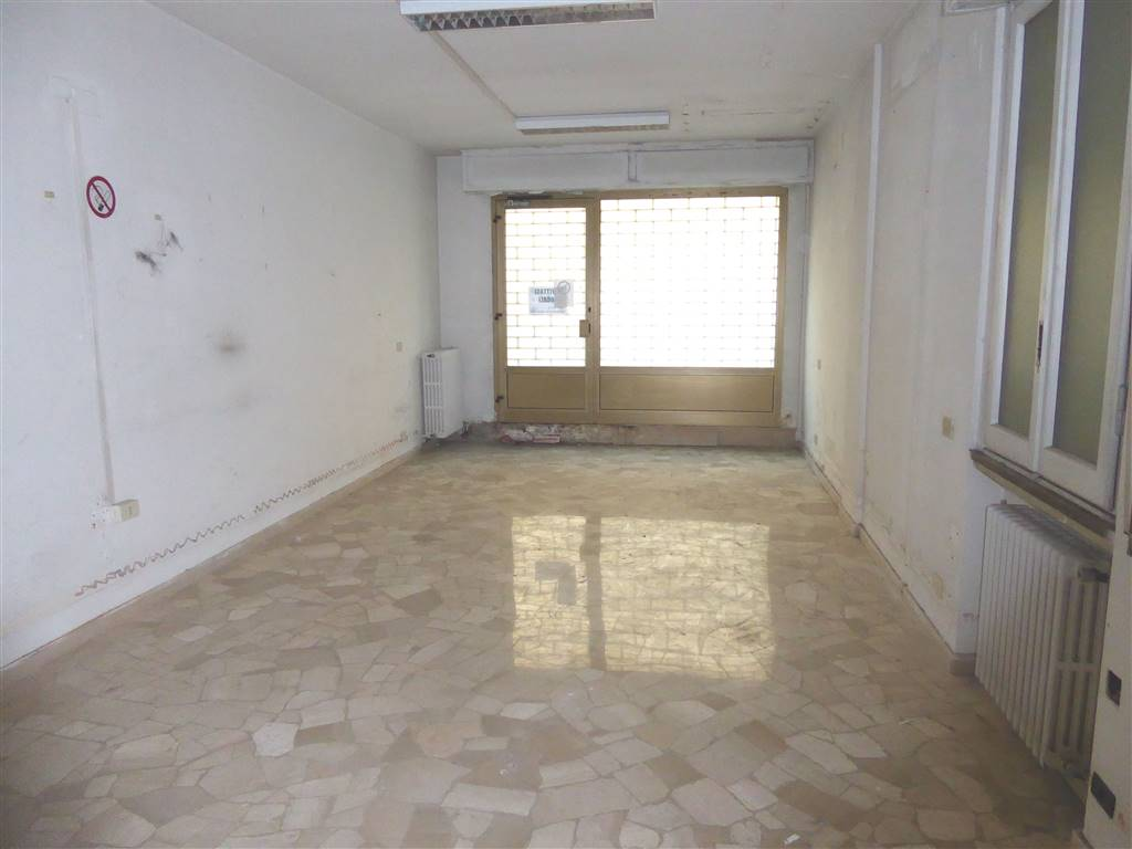 Negozio / Locale in affitto a Firenze, 3 locali, zona Zona: 15 . Campo di Marte, Pagano, Amendola, Paolo Sarpi, Arena, prezzo € 1.000 | CambioCasa.it