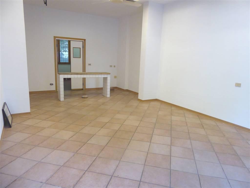 Negozio / Locale in vendita a Scandicci, 2 locali, zona Località: CENTRO, prezzo € 120.000 | CambioCasa.it