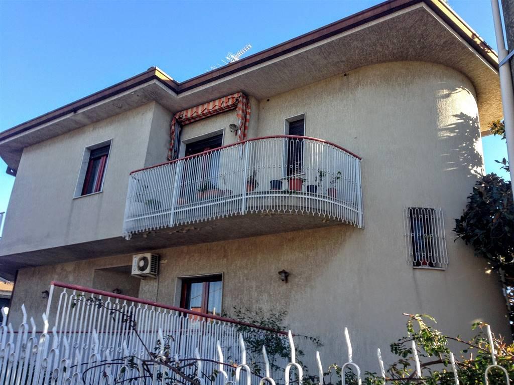 Villa in vendita a Mascalucia, 9 locali, prezzo € 295.000 | Cambio Casa.it