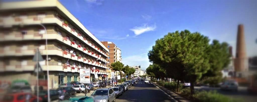 Magazzino in vendita a Catania, 4 locali, zona Località: VIALE AFRICA, prezzo € 210.000 | Cambio Casa.it