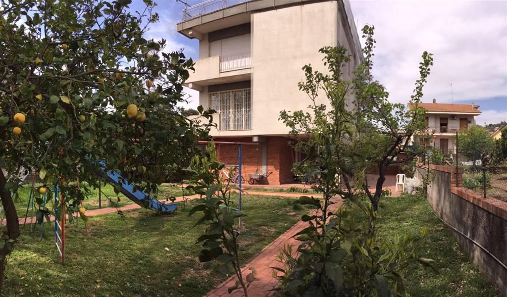 Villa in Vendita a Viagrande