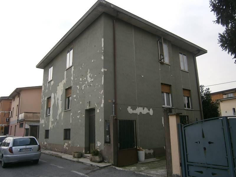 Palazzo-stabile Vendita Crema