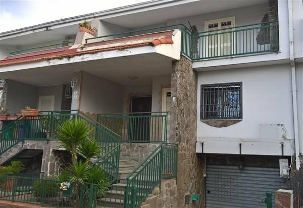 Villa-Villetta  in Vendita a Melito Di Napoli