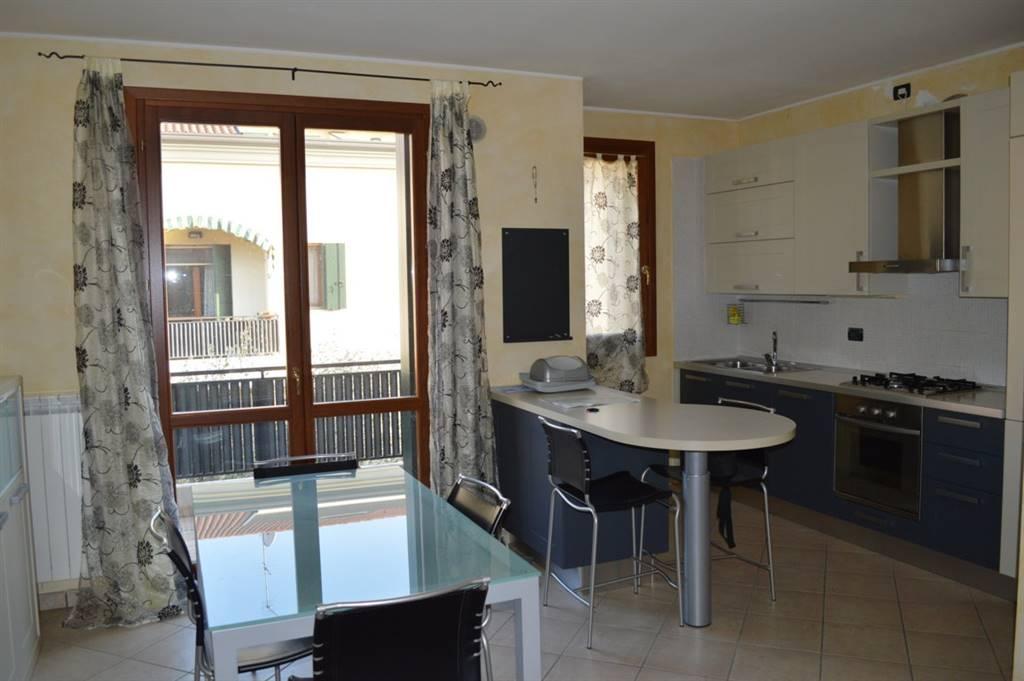 Appartamento in vendita a Cartura, 3 locali, zona Zona: Cagnola, prezzo € 110.000 | CambioCasa.it
