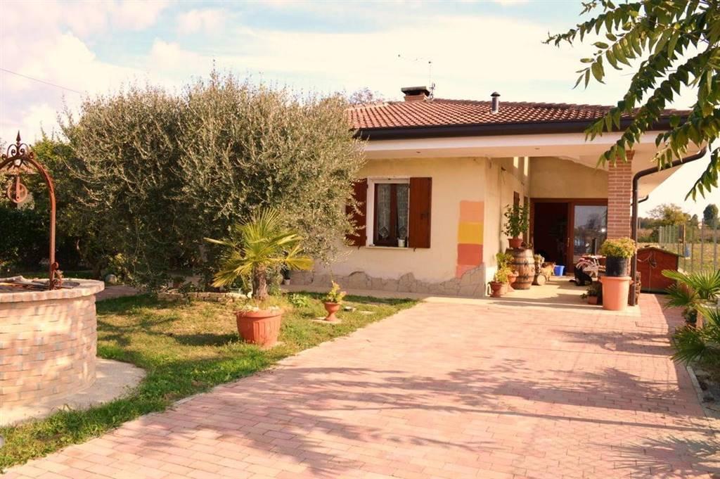 Villa Bifamiliare in Vendita a Arre