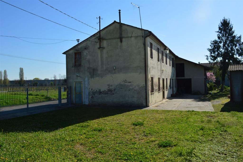 Rustico / Casale in vendita a Bovolenta, 3 locali, prezzo € 100.000 | CambioCasa.it