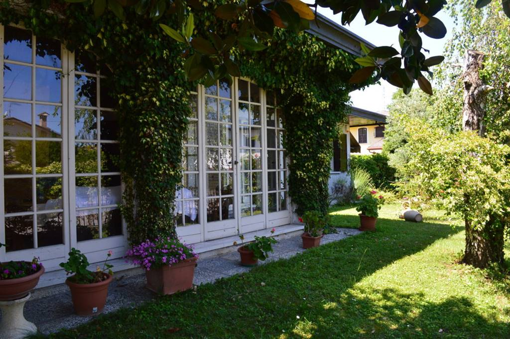 Villa in vendita a Maserà di Padova, 7 locali, prezzo € 310.000 | CambioCasa.it