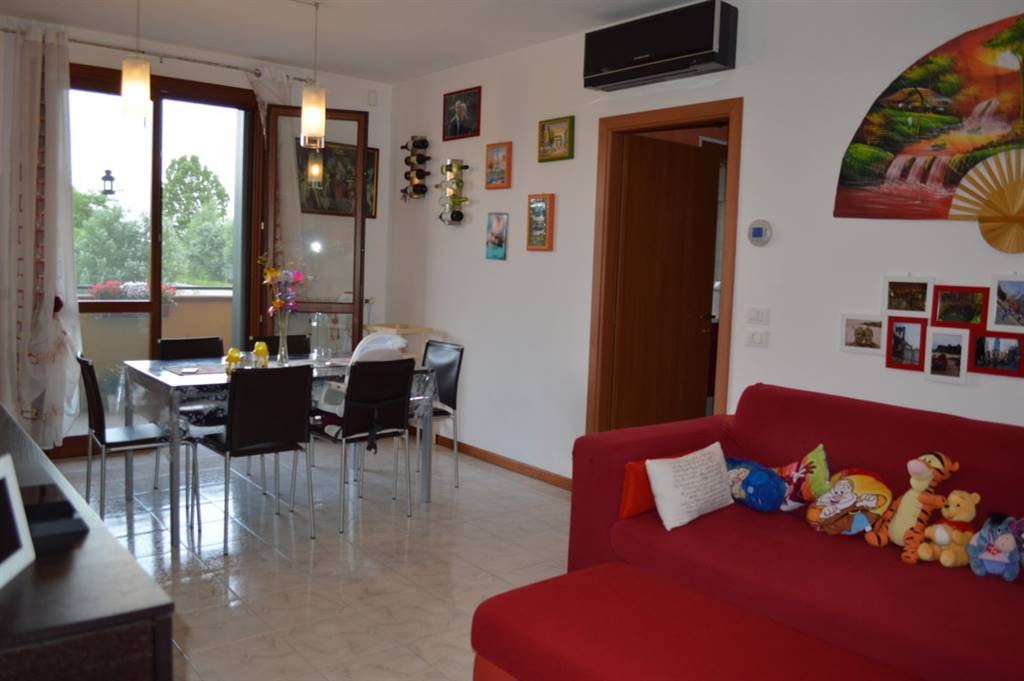 Appartamento in vendita a Bovolenta, 3 locali, prezzo € 92.000 | CambioCasa.it