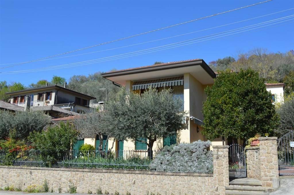 Villa in vendita a Arquà Petrarca, 8 locali, prezzo € 340.000 | CambioCasa.it