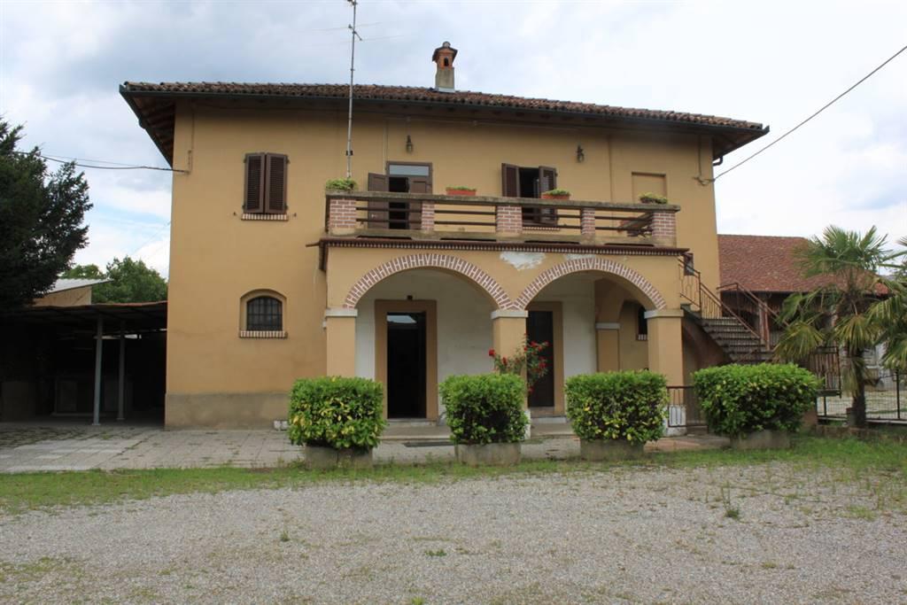 Appartamento in vendita a Montanaso Lombardo, 10 locali, zona Zona: Arcagna, prezzo € 315.000 | CambioCasa.it
