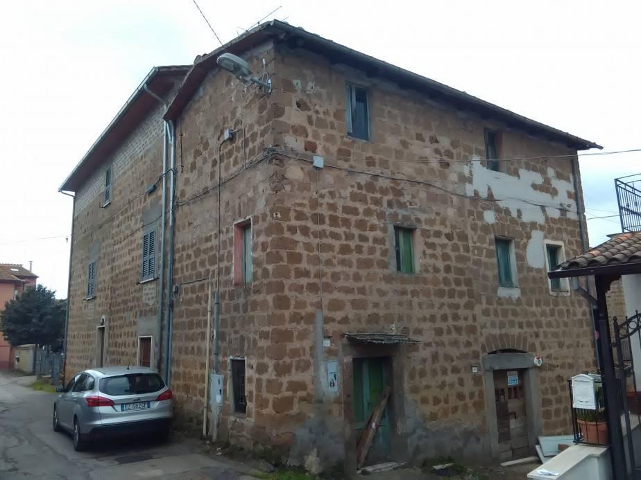 Soluzione Indipendente in vendita a Vetralla, 6 locali, zona Zona: Cura, prezzo € 35.000 | Cambio Casa.it