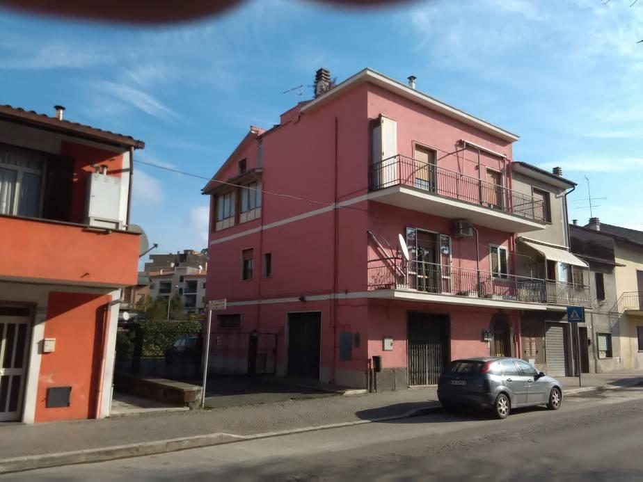 Attico / Mansarda in vendita a Vetralla, 4 locali, zona Zona: Cura, prezzo € 46.000   Cambio Casa.it