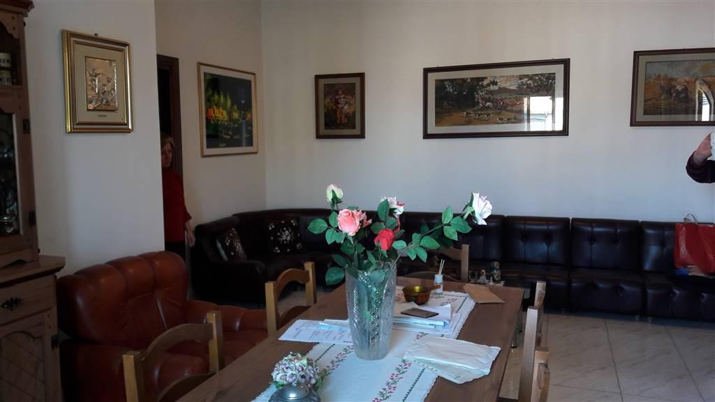 Appartamento in affitto a Vetralla, 6 locali, prezzo € 600 | CambioCasa.it