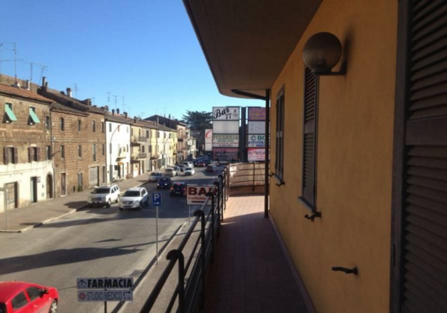 Appartamento in vendita a Vetralla, 4 locali, zona Zona: Cura, prezzo € 115.000 | Cambio Casa.it