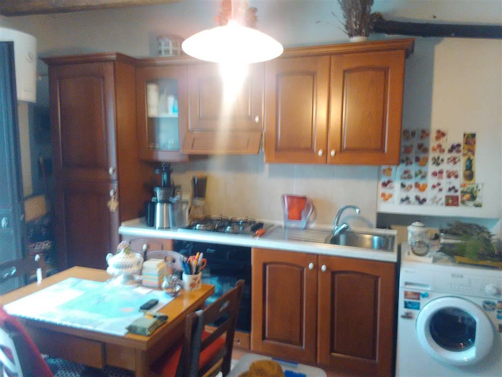 Appartamento in vendita a Vetralla, 2 locali, zona Zona: Cura, prezzo € 20.000 | Cambio Casa.it