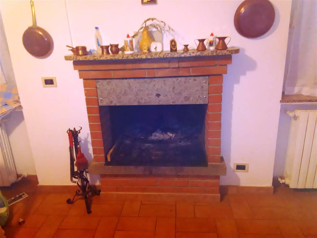 Soluzione Indipendente in vendita a Vetralla, 4 locali, prezzo € 85.000 | Cambio Casa.it