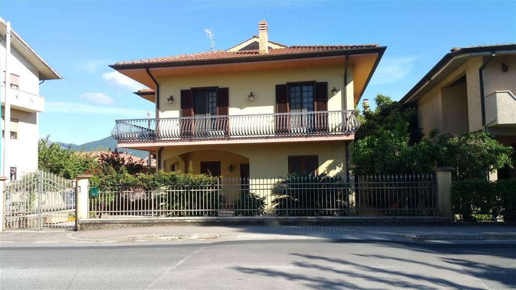 Soluzione Indipendente in vendita a Sermoneta, 3 locali, zona Località: PONTENUOVO, prezzo € 310.000 | CambioCasa.it