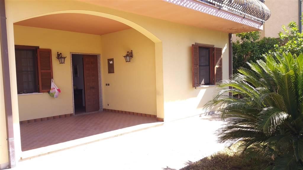 Appartamento in vendita a Sermoneta, 3 locali, zona Località: PONTENUOVO, prezzo € 130.000 | CambioCasa.it