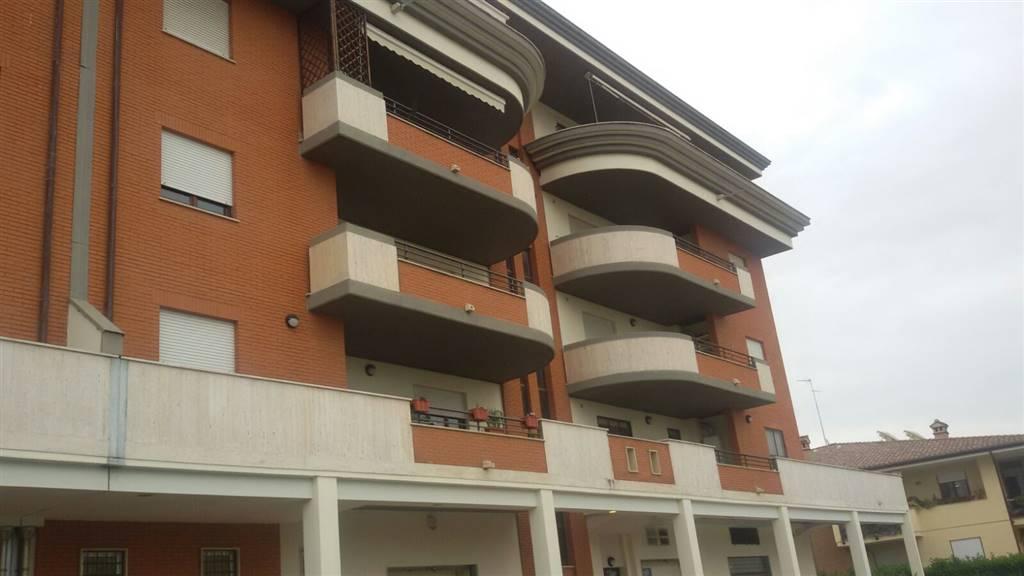 Appartamento in affitto a Sermoneta, 2 locali, zona Località: PONTENUOVO, prezzo € 450 | CambioCasa.it