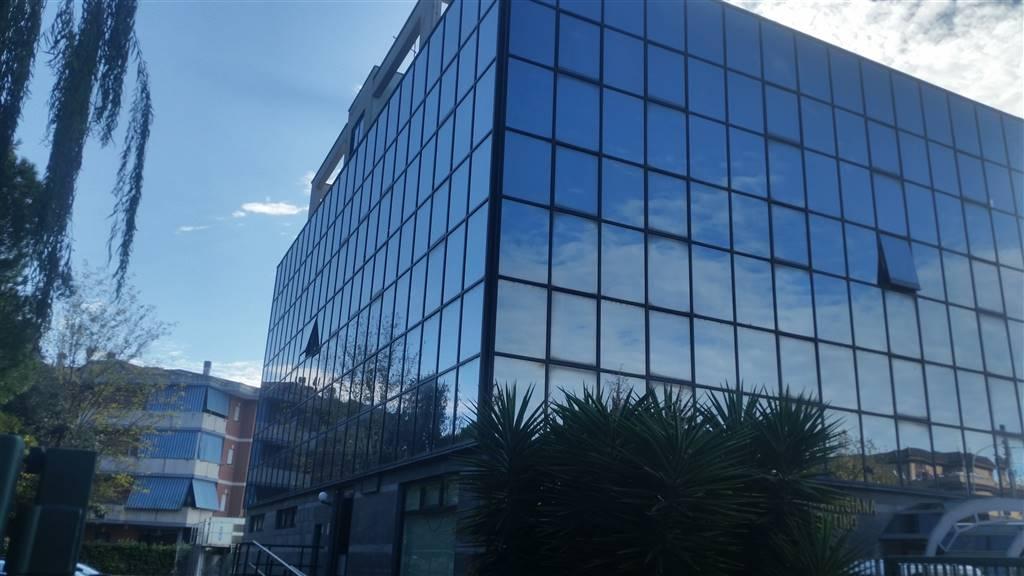 Ufficio / Studio in affitto a Pontinia, 5 locali, prezzo € 600 | CambioCasa.it