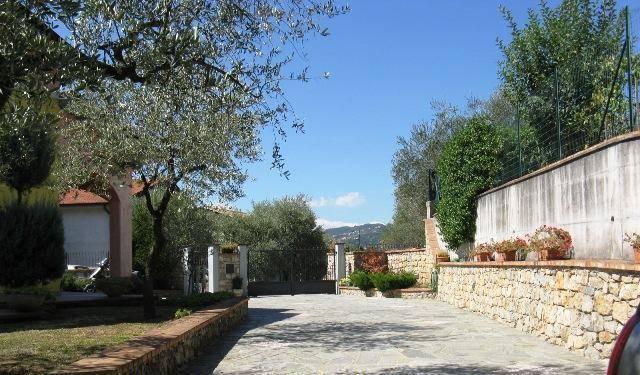 Villa in vendita a Bolano, 8 locali, zona Zona: Ceparana, prezzo € 430.000 | CambioCasa.it