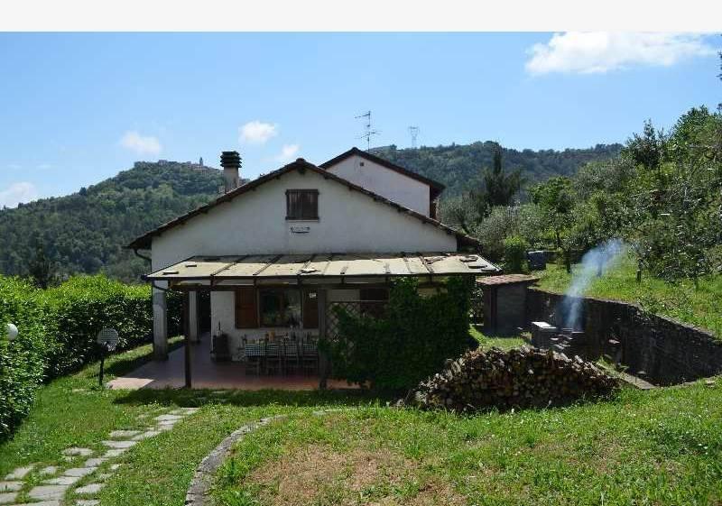 Soluzione Semindipendente in vendita a Follo, 4 locali, zona Zona: Bastremoli, prezzo € 130.000 | CambioCasa.it