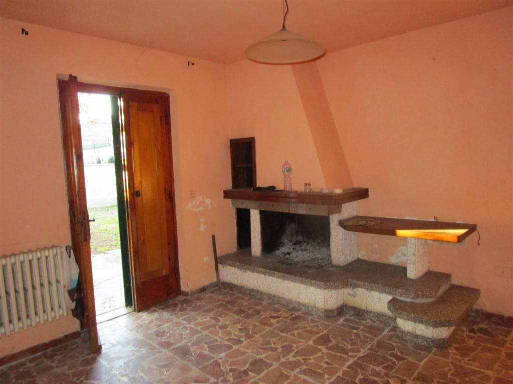 Soluzione Indipendente in vendita a Montecatini-Terme, 10 locali, prezzo € 150.000 | Cambio Casa.it
