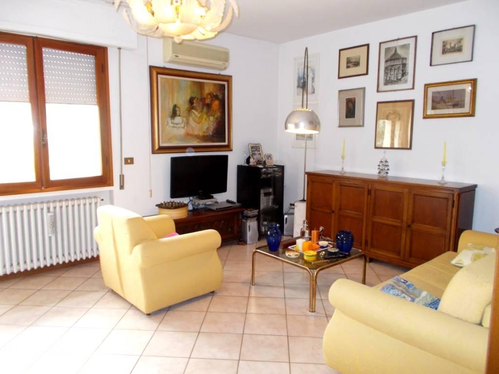 Soluzione Indipendente in vendita a Montecatini-Terme, 6 locali, prezzo € 198.000 | CambioCasa.it
