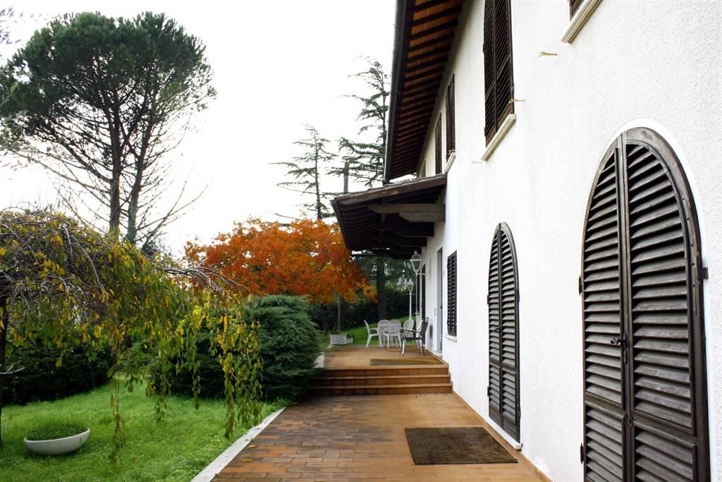 Villa in vendita a Massa e Cozzile, 8 locali, zona Zona: Margine Coperta, prezzo € 700.000 | CambioCasa.it