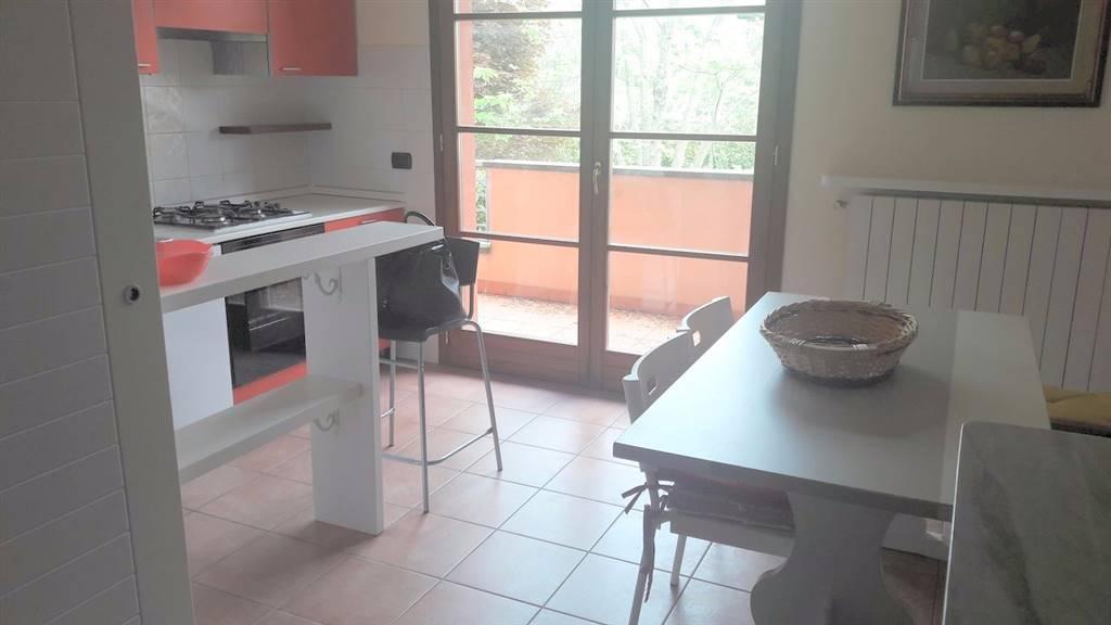 Appartamento in affitto a Montecatini-Terme, 3 locali, prezzo € 650 | CambioCasa.it