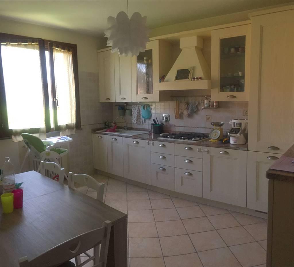 Appartamento in affitto a Scandiano, 4 locali, zona Zona: Ca' de Caroli, prezzo € 600 | Cambio Casa.it