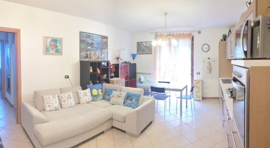 Appartamento in vendita a Castelbelforte, 3 locali, prezzo € 78.000 | CambioCasa.it