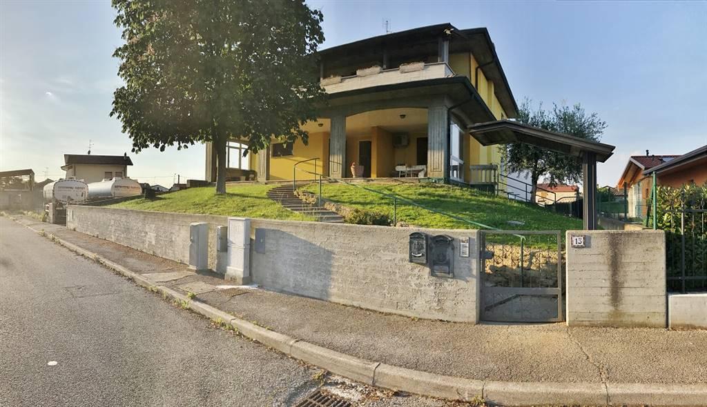 Appartamento in vendita a Castel d'Ario, 4 locali, zona Zona: Centro Urbano, prezzo € 120.000 | Cambio Casa.it