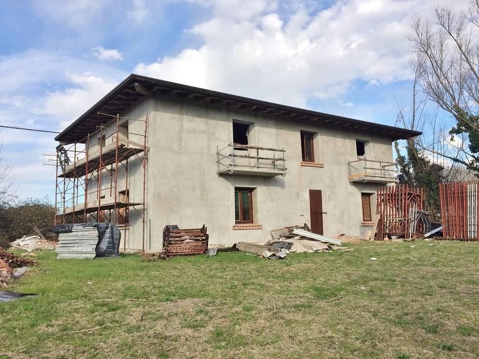 Villa in vendita a Bigarello, 6 locali, zona Zona: Bazza, prezzo € 150.000 | Cambio Casa.it