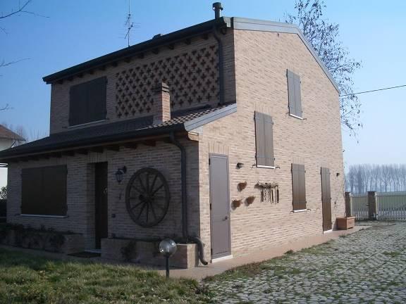 Villa in vendita a Villimpenta, 8 locali, zona Località: PRADELLO, Trattative riservate | CambioCasa.it