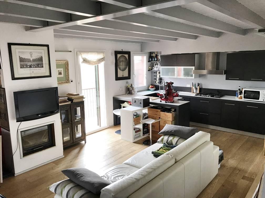 Villa a Schiera in vendita a Bigarello, 4 locali, zona Zona: Gazzo, prezzo € 110.000   Cambio Casa.it