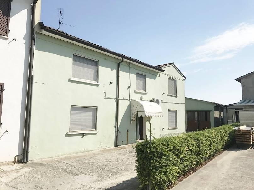 Soluzione Semindipendente in vendita a Villimpenta, 6 locali, prezzo € 45.000 | CambioCasa.it