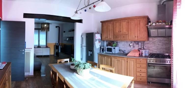 Soluzione Semindipendente in vendita a Serravalle a Po, 5 locali, zona Zona: Libiola, prezzo € 87.000 | CambioCasa.it