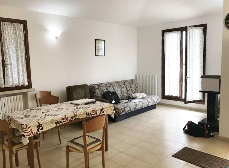 Appartamento in vendita a Sustinente, 3 locali, prezzo € 40.000 | CambioCasa.it