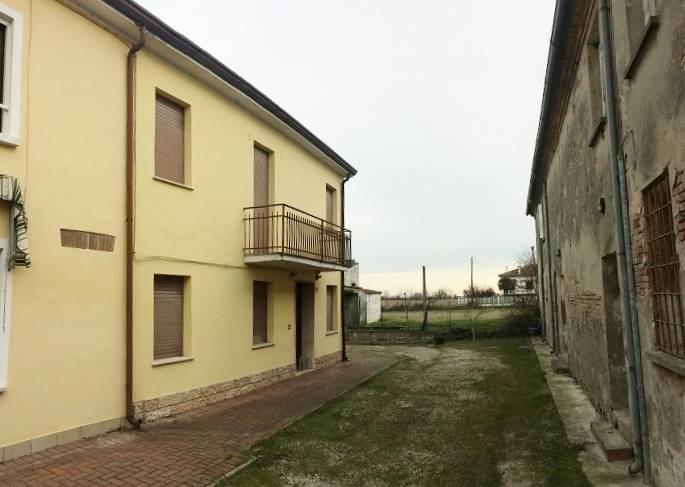Soluzione Semindipendente in vendita a Sustinente, 5 locali, zona Zona: Cavecchia, prezzo € 25.000 | CambioCasa.it