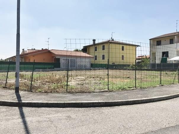 Terreno Edificabile Residenziale in vendita a Castel d'Ario, 9999 locali, zona Zona: Centro Urbano, prezzo € 70.000 | CambioCasa.it