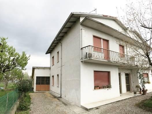 Villa Bifamiliare in Vendita a Roncoferraro