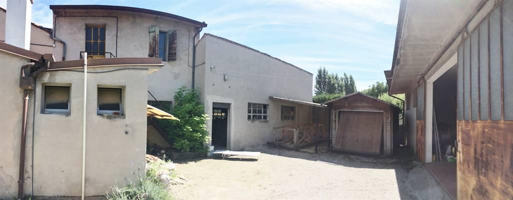 Laboratorio in vendita a Castel d'Ario, 3 locali, zona Zona: Centro Urbano, prezzo € 40.000 | CambioCasa.it