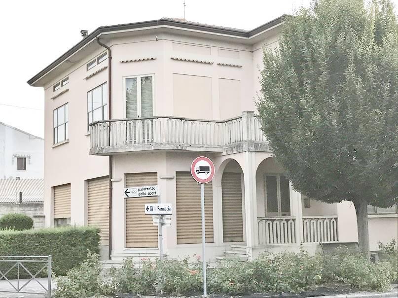Villa in Vendita a Sustinente