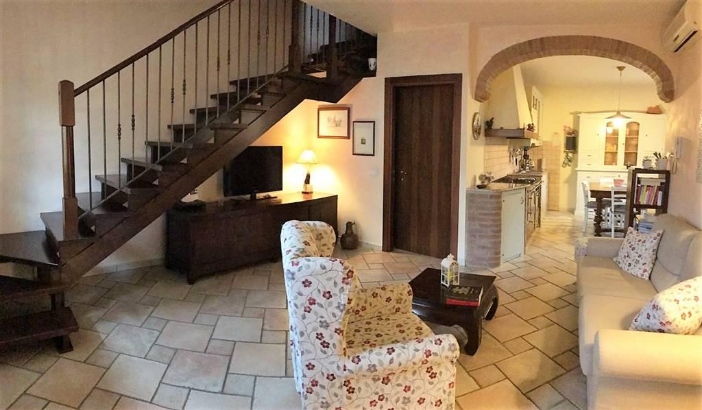 Villa a Schiera in vendita a Castelbelforte, 4 locali, prezzo € 148.000 | CambioCasa.it