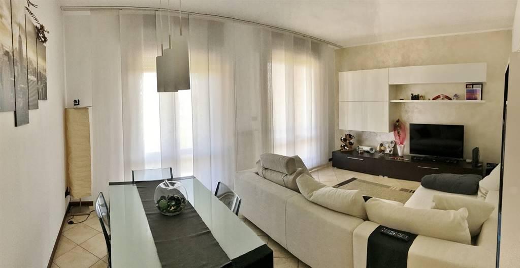 Appartamento in vendita a Roncoferraro, 4 locali, zona Zona: Castelletto Borgo, prezzo € 98.000 | CambioCasa.it